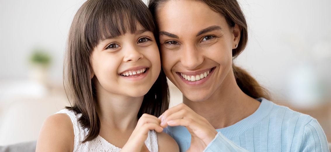 Äiti ja tytär.
